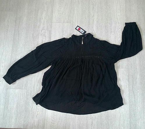 ●M&S black blouse. Size 18 NWT