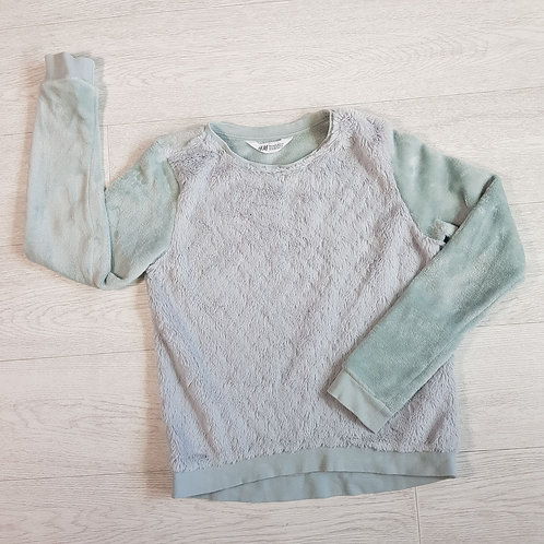 H&M pale green fluffy jumper. 10-11yrs
