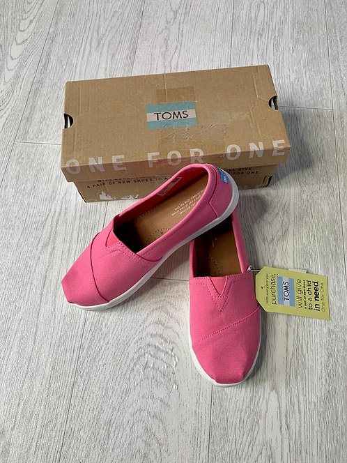 🌻Toms bubble gum pink classic canvas pumps. Uk 4