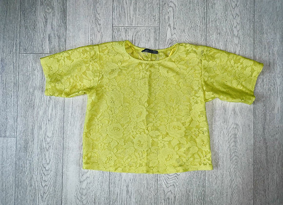 🦊Atmosphere yellow lace top. Size 6