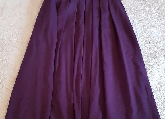 Country Casuals. Dark plum skirt. Pure new wool.