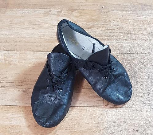 Black jazz shoes. Size 11