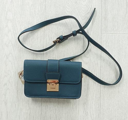 Accessorize small green shoulder purse