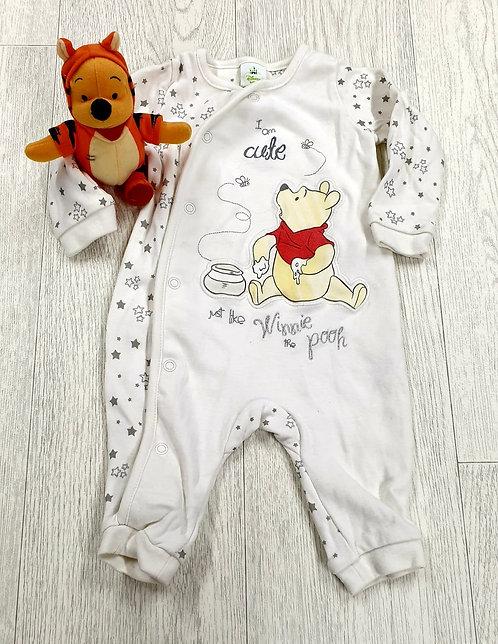 🧸 Disney Winnie The Pooh sleepsuit & hat set. 3-6m