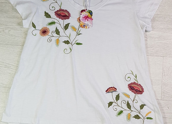 April Cornell white embroidered tshirt. Size S