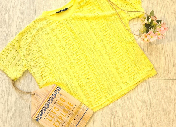 ATMOSPHERE yellow soft top. Size 6