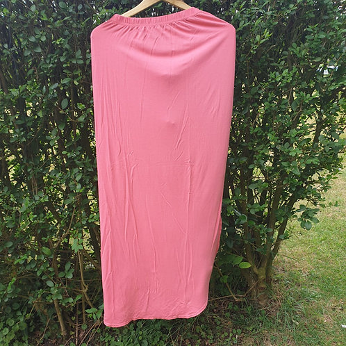 🌼Boohoo pink maxi skirt with side slit. Size 12