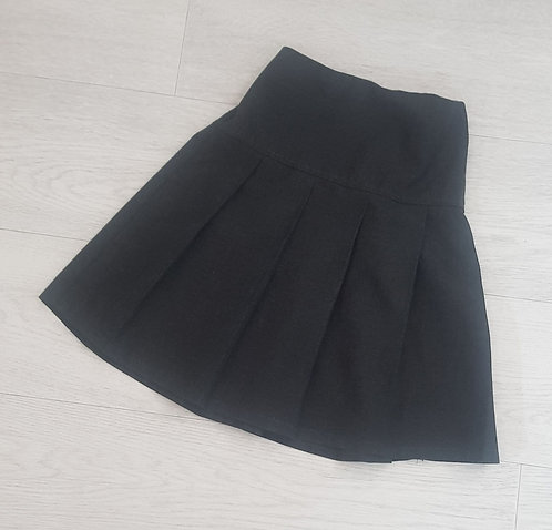 M&S charcoal pleated skirt. 6-7yrs