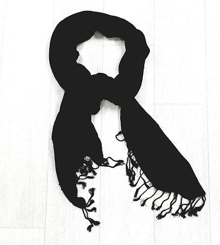 ■ Black winter scarf