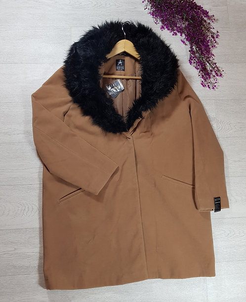 🍁Atmosphere beige coat with faux black fur collar size 20(NWT)