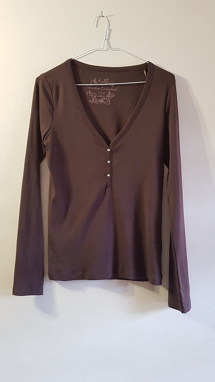 Cherokee. Brown long sleeve top with crystal effect buttons. Size 16.