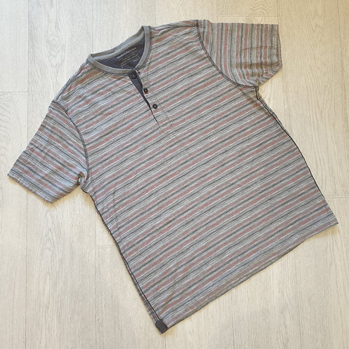 👕Modern Essentials grey striped t-shirt. Size M