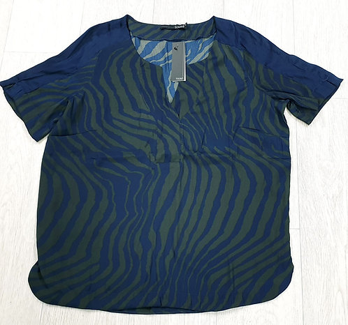 Trend by Captain Tortue print top. Euro 40 NWT
