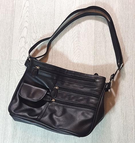 Black handbag with 2 deep pockets
