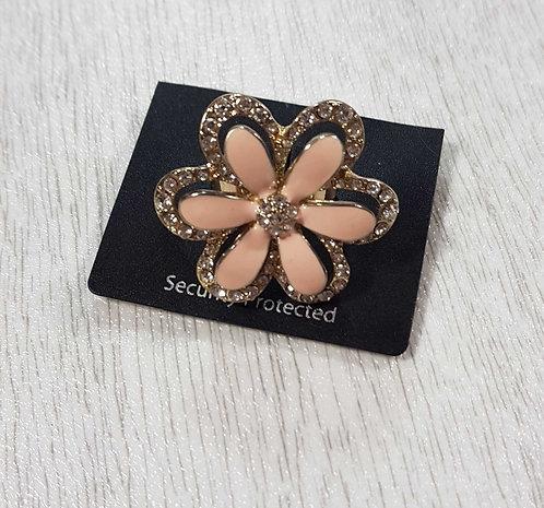 Diamante flower ring. New