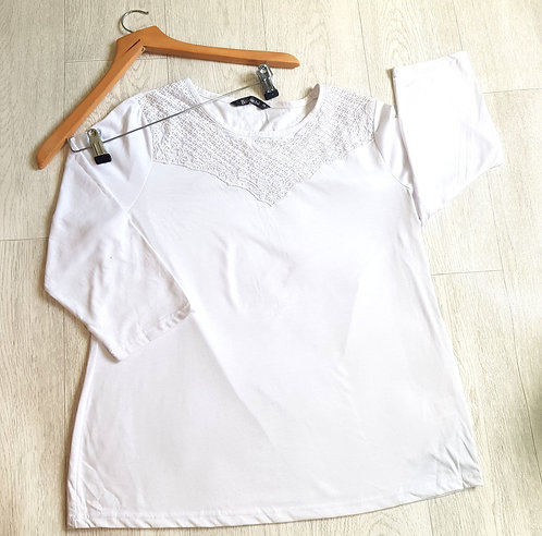 🔴Bonmarche white three-quarter length sleeve top with crochet detail. Size 18
