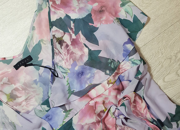 ✴Debut lilac floral chiffon dress with belt size 18