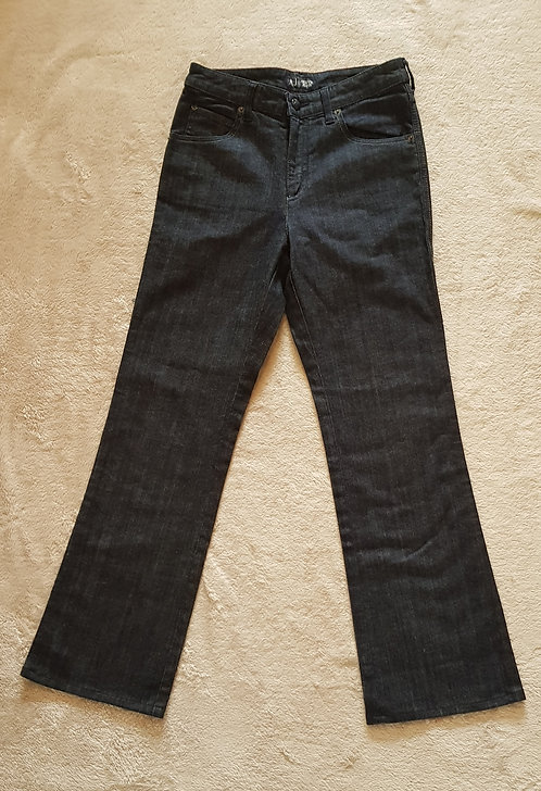ARMANI JEANS With diamante detail on back pocket. Size 28