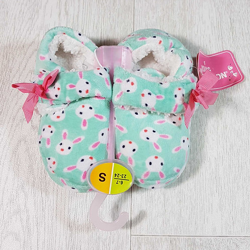 ◽Young Dimension fluffy bunny slippers with velcro strap. Size uk infant 6-7 NWT