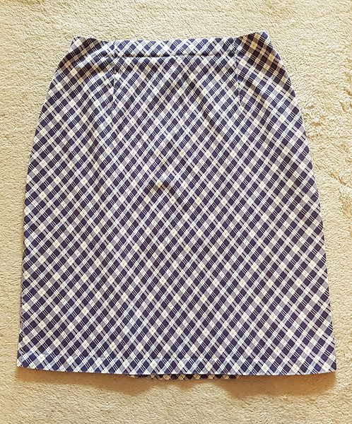 MARKS AND SPENCER ST MICHAEL Blue and white skirt. Size 12