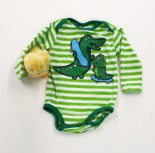 🐛H&M green croc vest. 4-6m