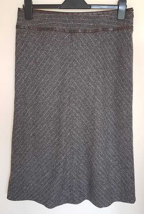 OLSEN. Grey skirt with zip up side. Size 14.