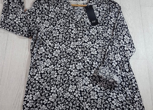 F&F black and white floral blouse size 12  (NWT)