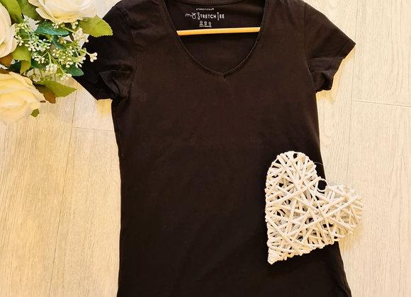 💜ATMOSPHERE black v-neck t-shirt. Size 12