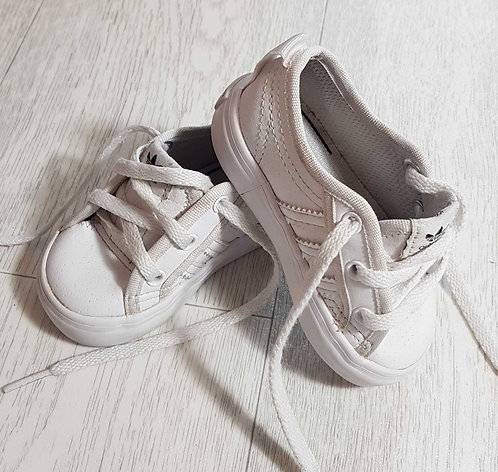 ◾Adidas white trainers. Uk infant 3