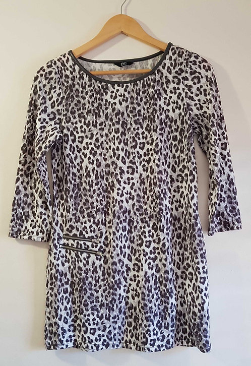 ◾F&F animal print longtop/dress with grey faux leather trim. Size 8