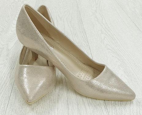Mulanka gold sparkly heels. Size Euro 36 NWOT