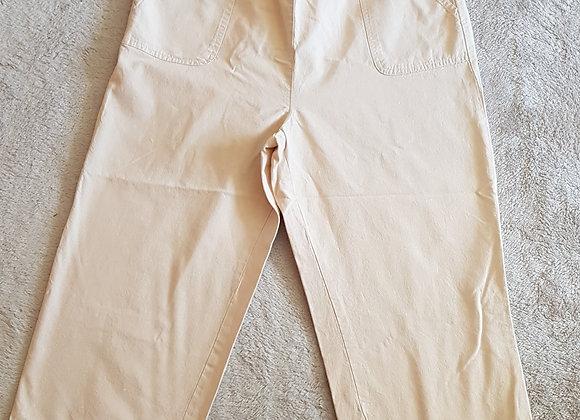 Edinburgh Woollen Mill. Cream cropped trousers. Size 16.