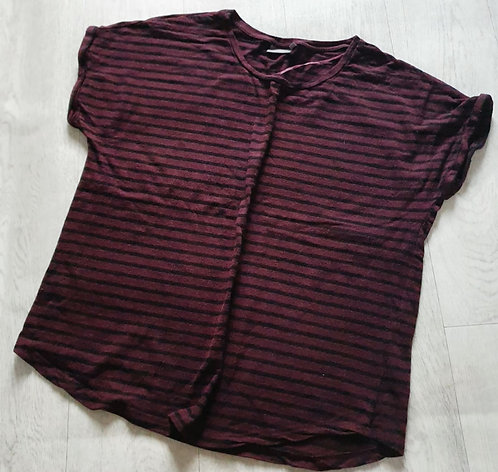 Be Younq burgundy t-shirt.  Size XL
