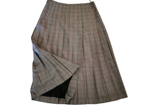 Cotswold Collections pleated vintage skirt. Uk 18 NWOT