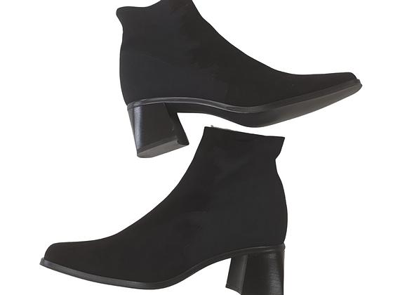 Rejane Black suede ankle boots. Eu 42 NWT