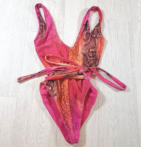 ✴Pretty little thing snake print low back swimsuit with tie up belt size 8