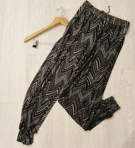 ⚫Patterned harem trousers. Size 12