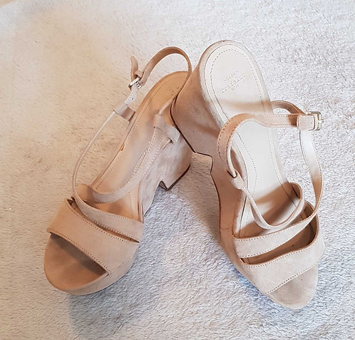 ZARA TRAFALUC Camel suede style strappy wedge sandals