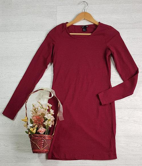 H&M burgundy stretch fit dress. Size S