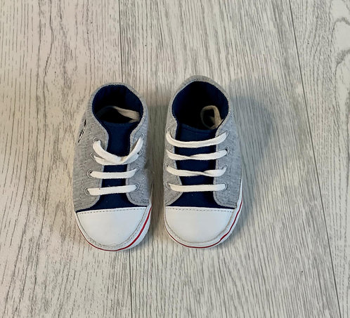 🌞Disney grey lace up soft shoes. 12-18m