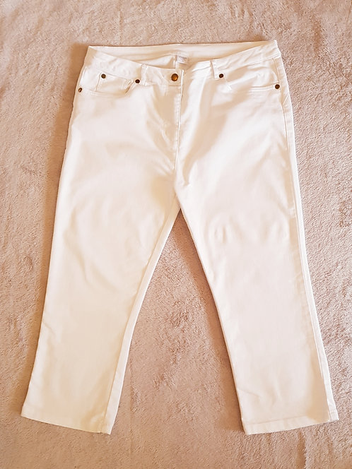 Cotton Traders. White cropped jeans. Size 16.