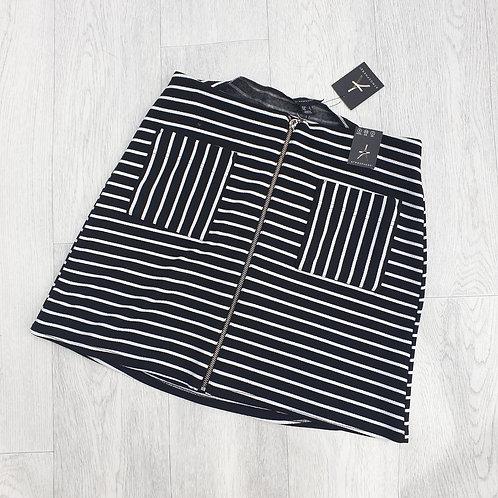 🌼ATMOSPHERE black/white skirt. Size 6 NWT