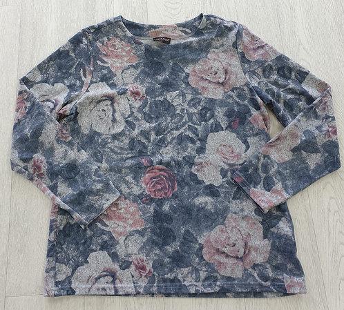 Anna rose soft rose sweater. Size L