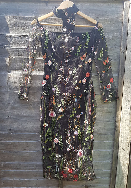 🔷️AX Paris black floral embroidered mesh dress size 10(NWT)