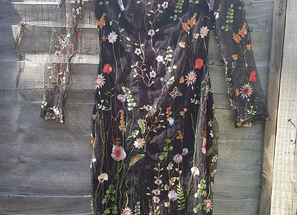 🔷️AX Paris black floral embroidered mesh dress size 10(NWT)