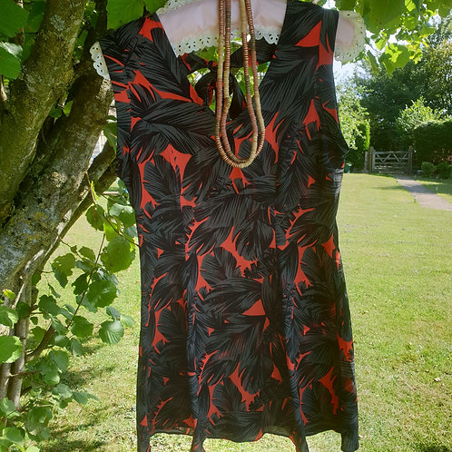 ⭐Matalan black and red top. Size 10 NWT
