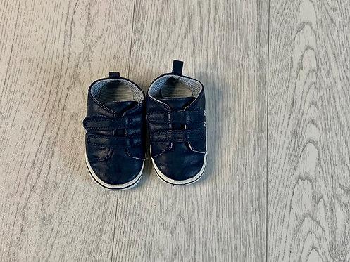 🌞Next navy faux leather velcro soft shoes. Size 3