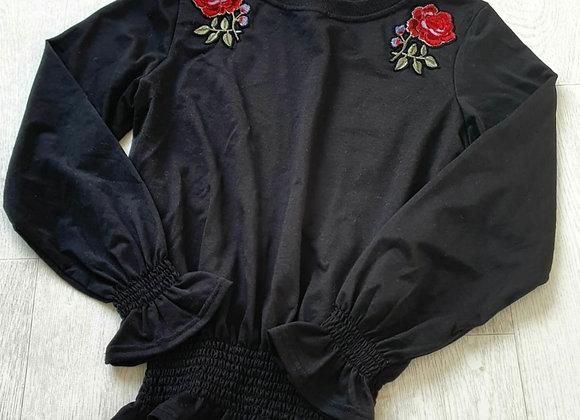 Brave Soul  black rose sweatshirt. Size M