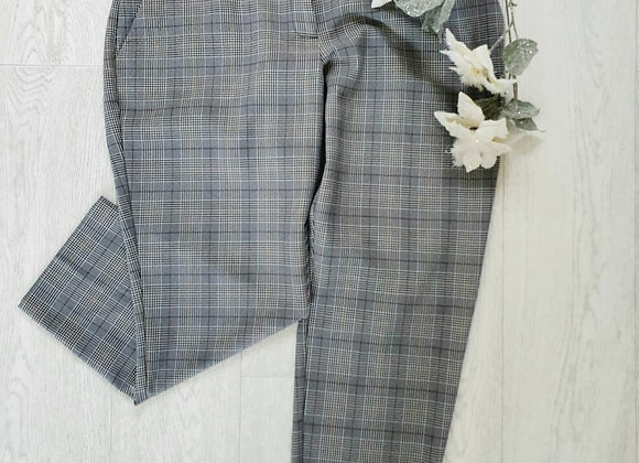 ○Dorothy Perkins cropped check trousers. Size 14