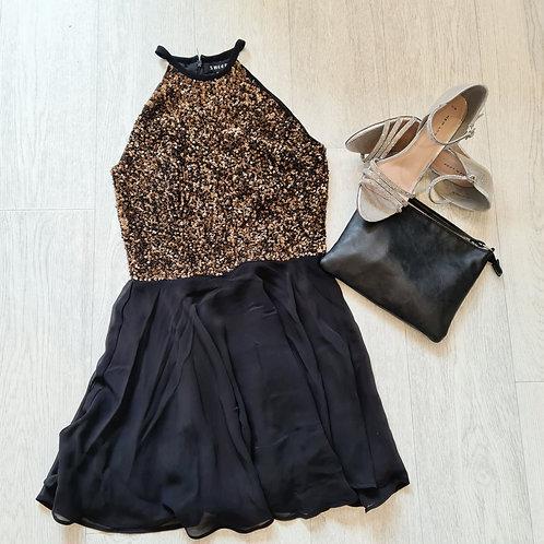 💋Sheen black/gold sequin dress. Size 6